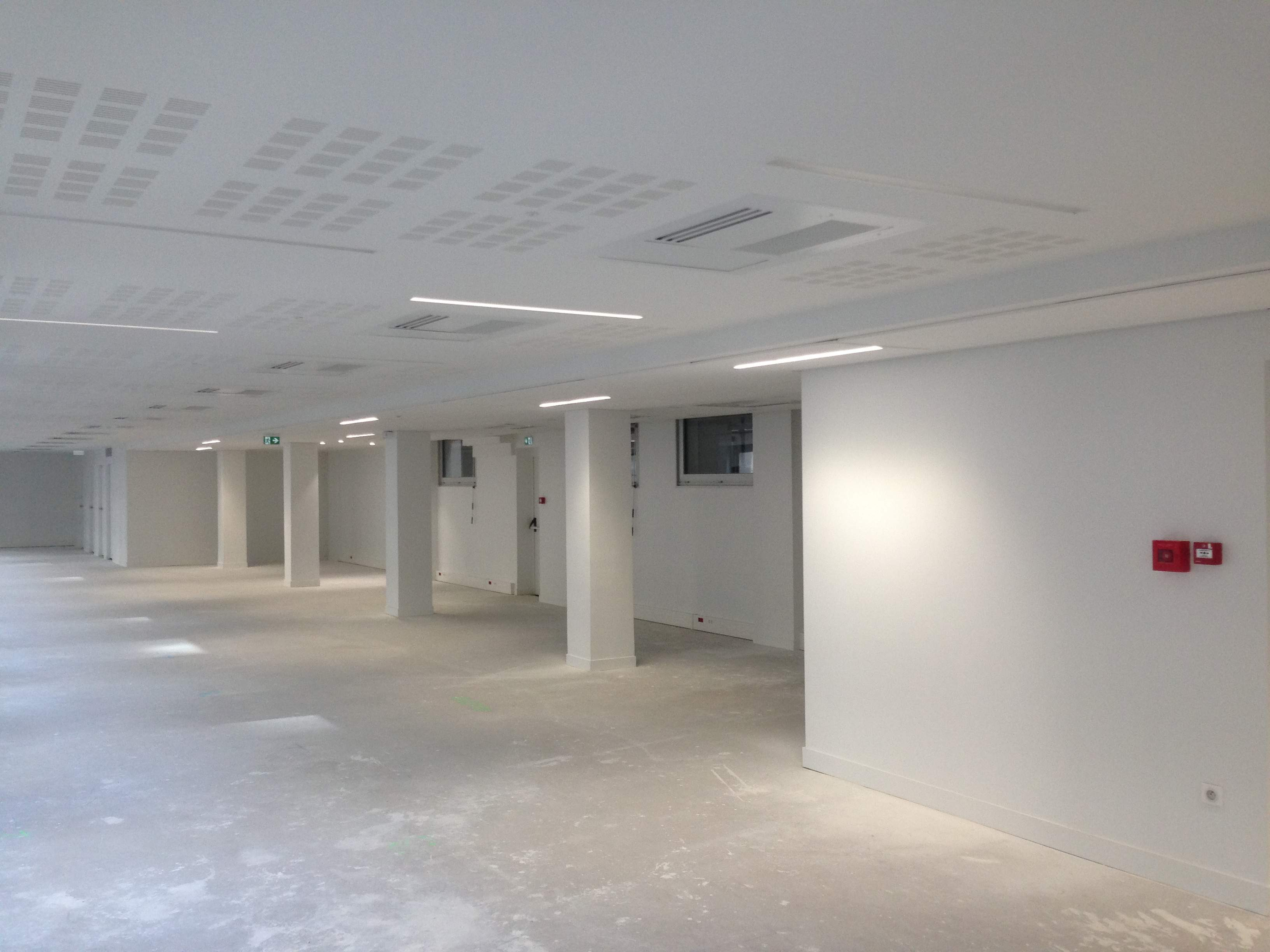 bureaux immeuble de bureaux avenue delcasse 5 000 m axys. Black Bedroom Furniture Sets. Home Design Ideas