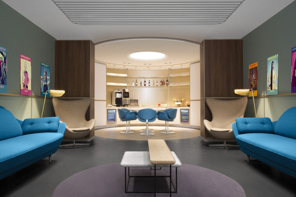 Airport Lounge at Paris CDG Terminal 2E Hall L (38)